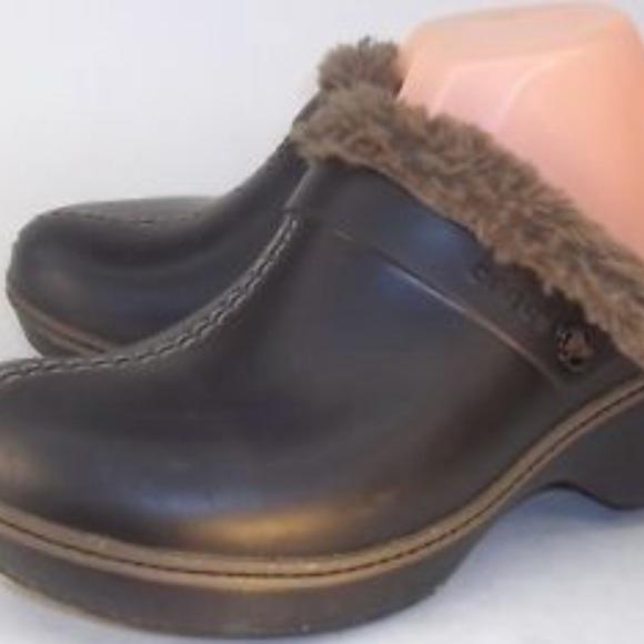 e9c031d7d63f3 Crocs black gray/tan lined fluffy clogs heel mules